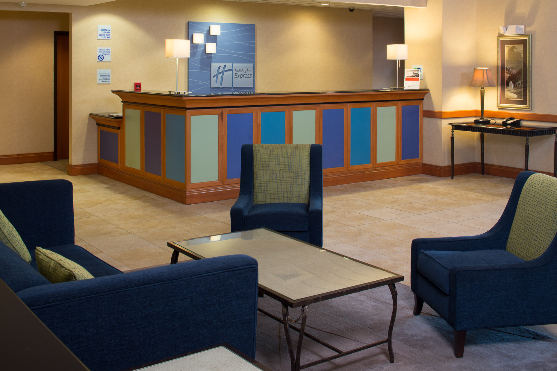 Holiday Inn Express Lobby - Mark Borosch Photography - Sarasota, FL