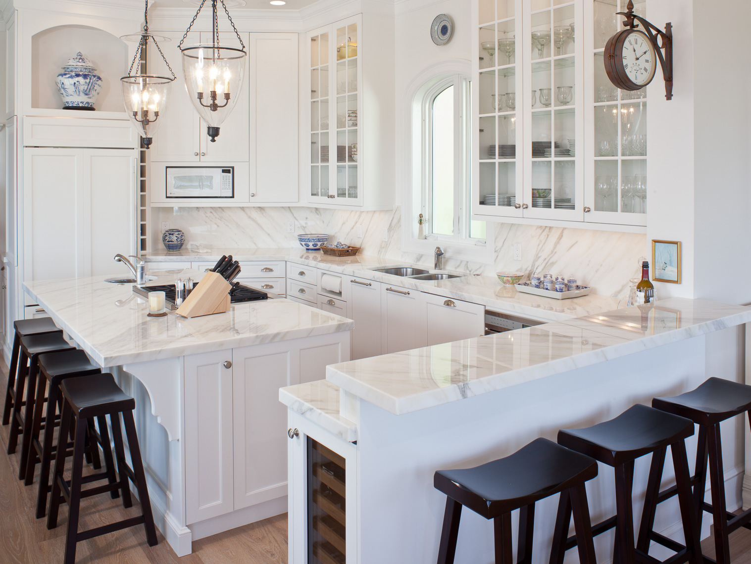Contemporary Kitchen - Mark Borosch Photography - Longboat Key, FL