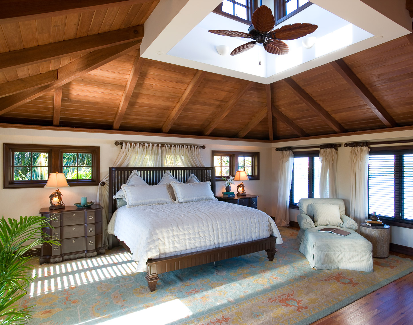 Beach Style Bedroom - Mark Borosch Photography - Longboat Key, FL